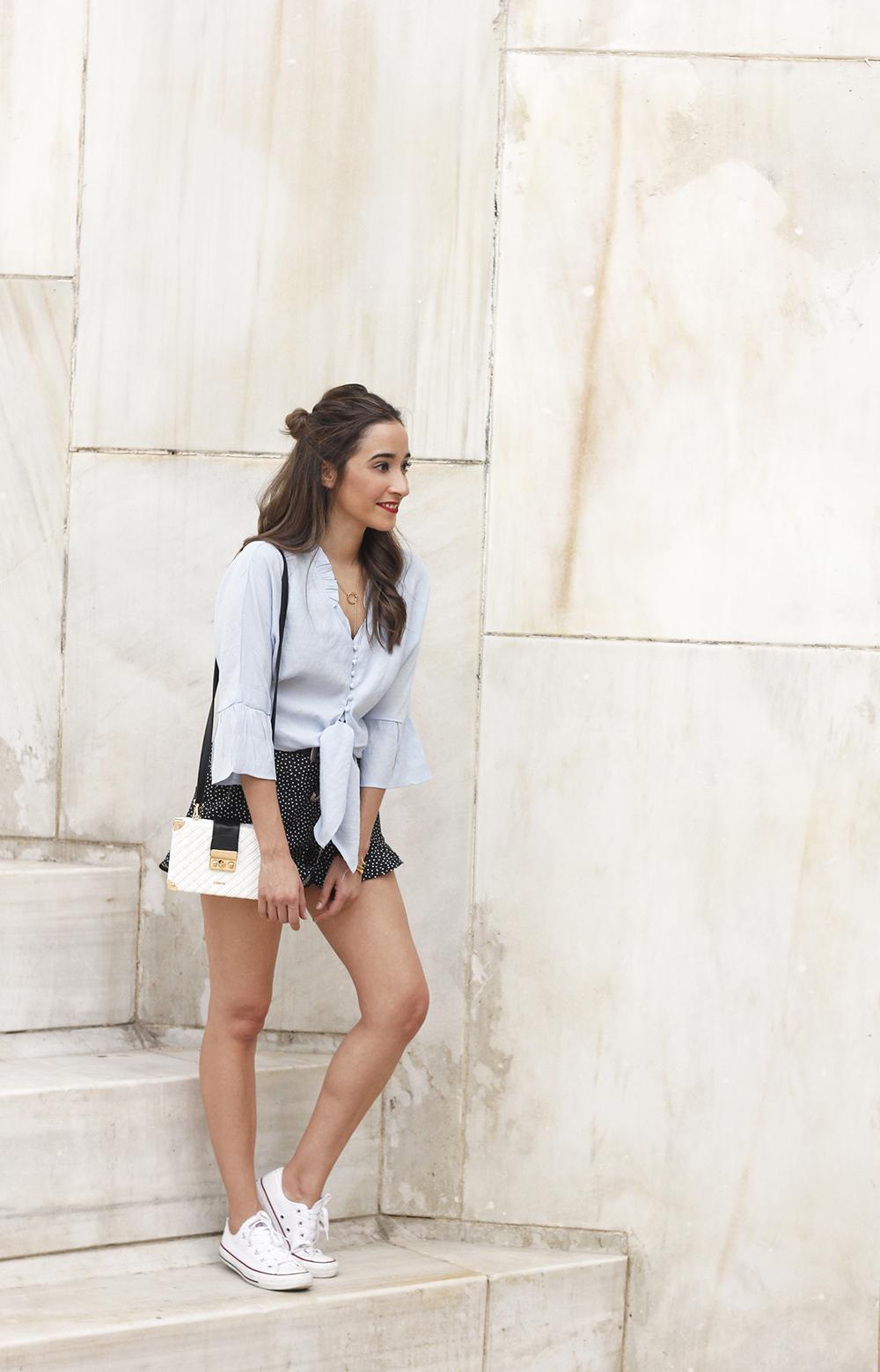 blue shirt polka dots shorts converse uterqüe style fashion summer11