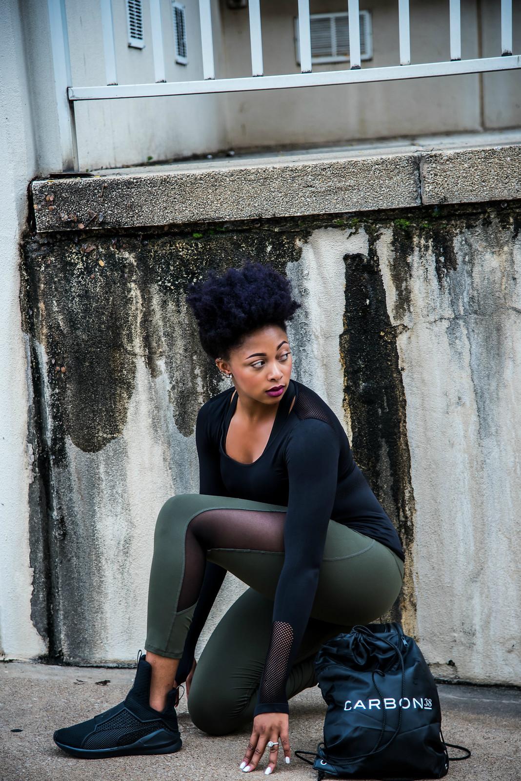 how to wear leggings street style