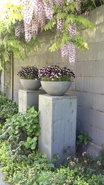 Zuilen met potten