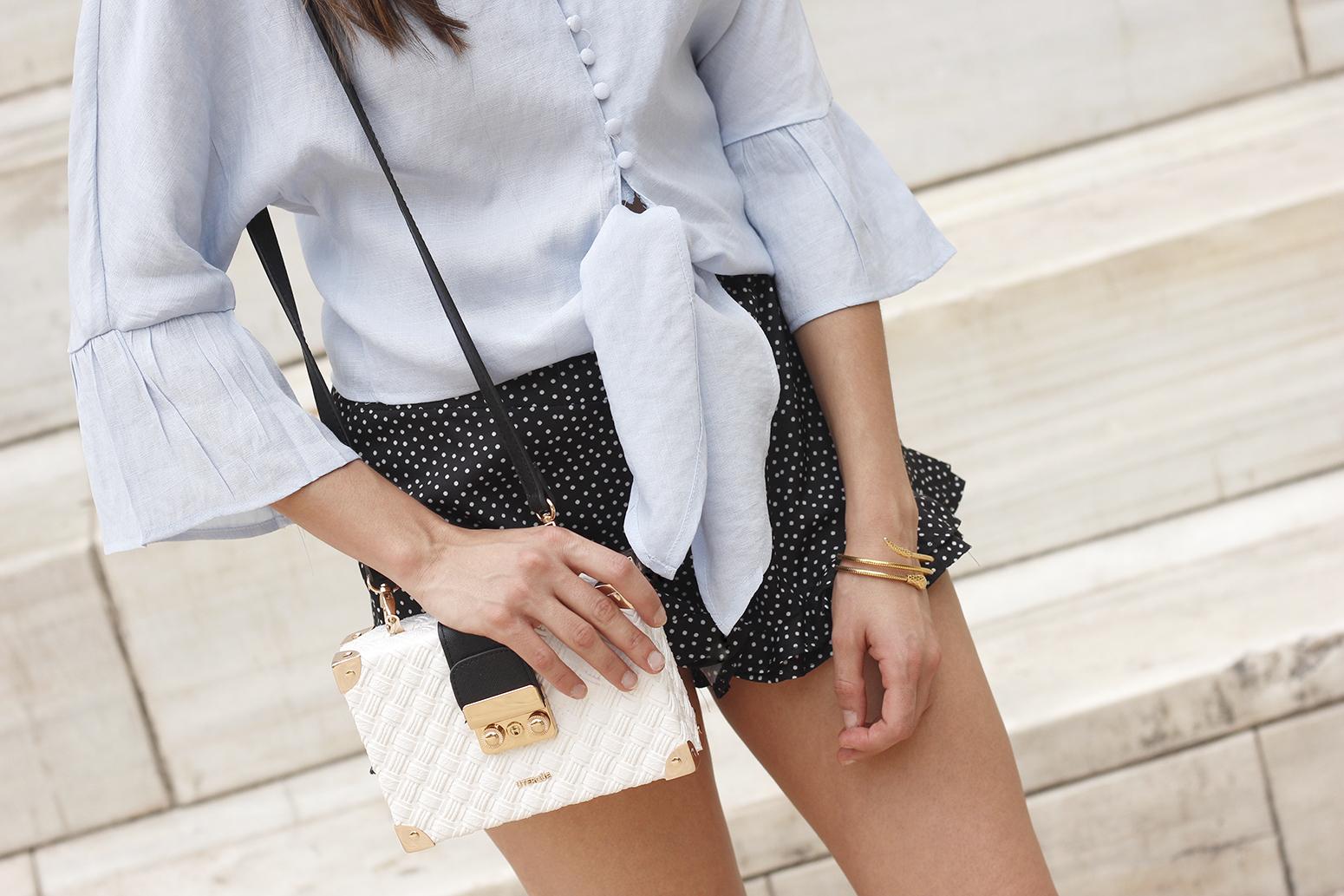 blue shirt polka dots shorts converse uterqüe style fashion summer08