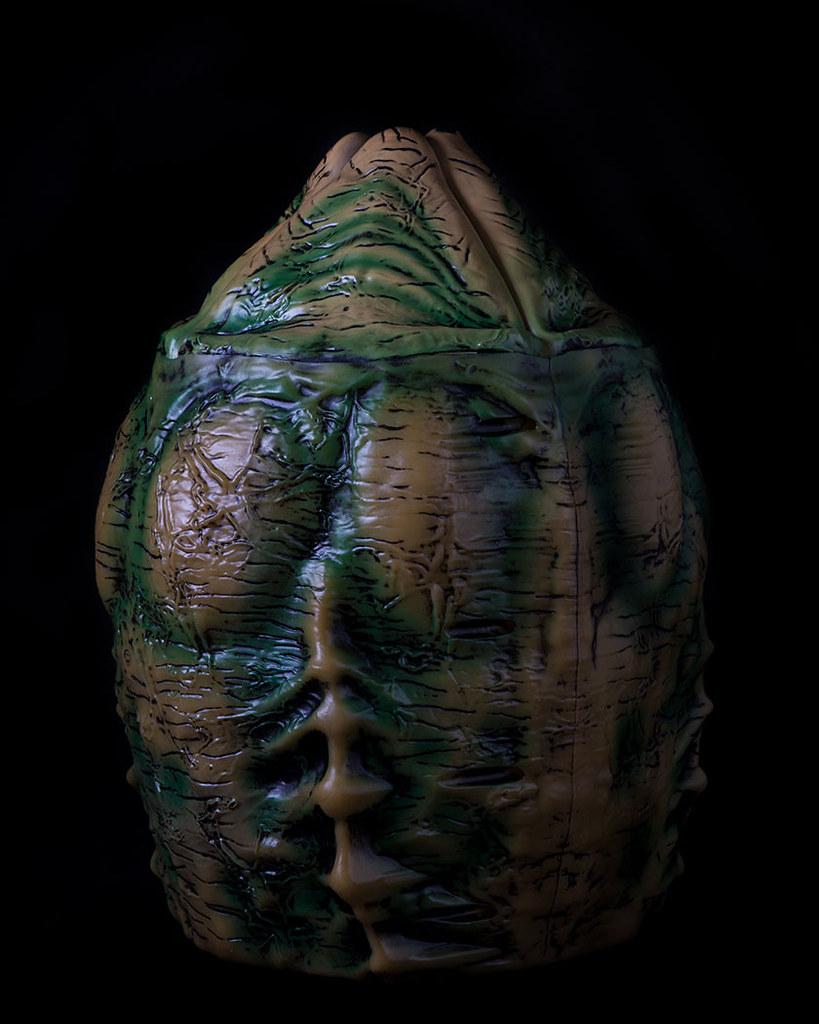真....真的動了啊!!Middle of Beyond【異形蛋收納罐】Alien Xenomorph Egg Storage Container「別怕!靠近點看,不會有事的~」