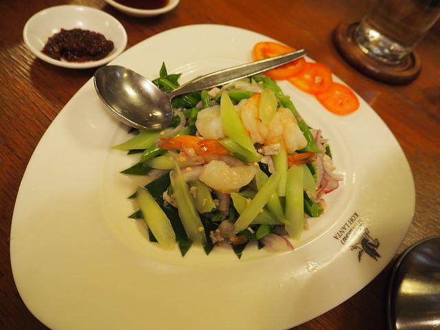 P6243735 Koh Lan Ta Restaurant & Karaoke at Suvarnabhumi thailand bangkok タイ バンコク