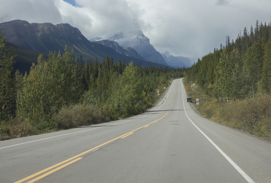 Driving down the Icefields Parkway