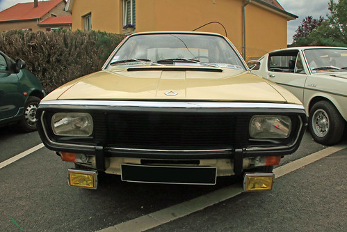 Renault 15 face