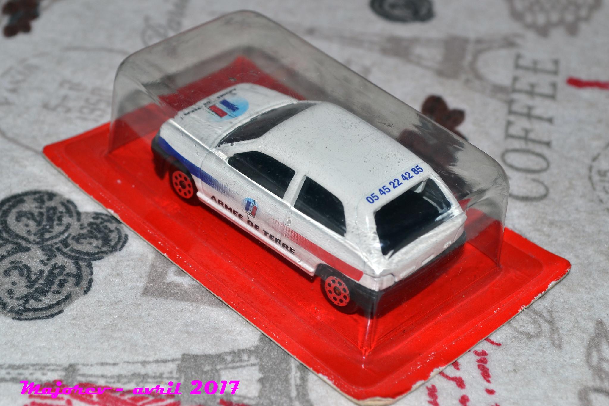 N°270 - Renault Clio I 35294827104_0dbcda29b8_k