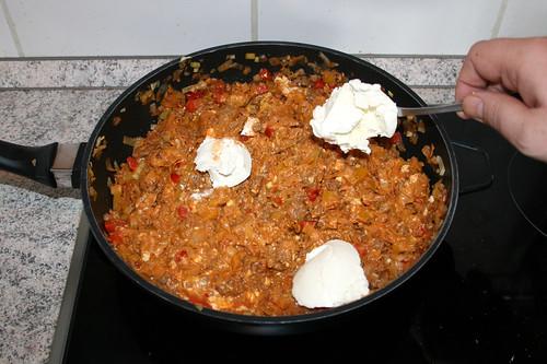 38 - Frischkäse dazu geben / Add cream cheese