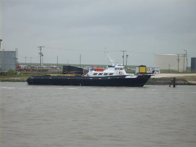 cameron 5-5 047 crewboat, Nikon COOLPIX L10