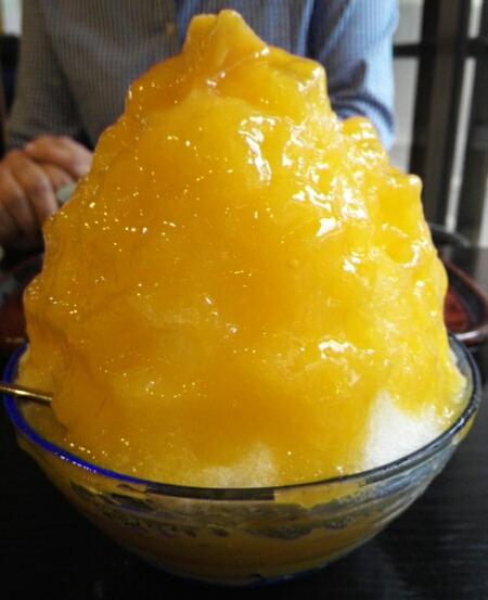 中村軒のマンゴーカキ氷