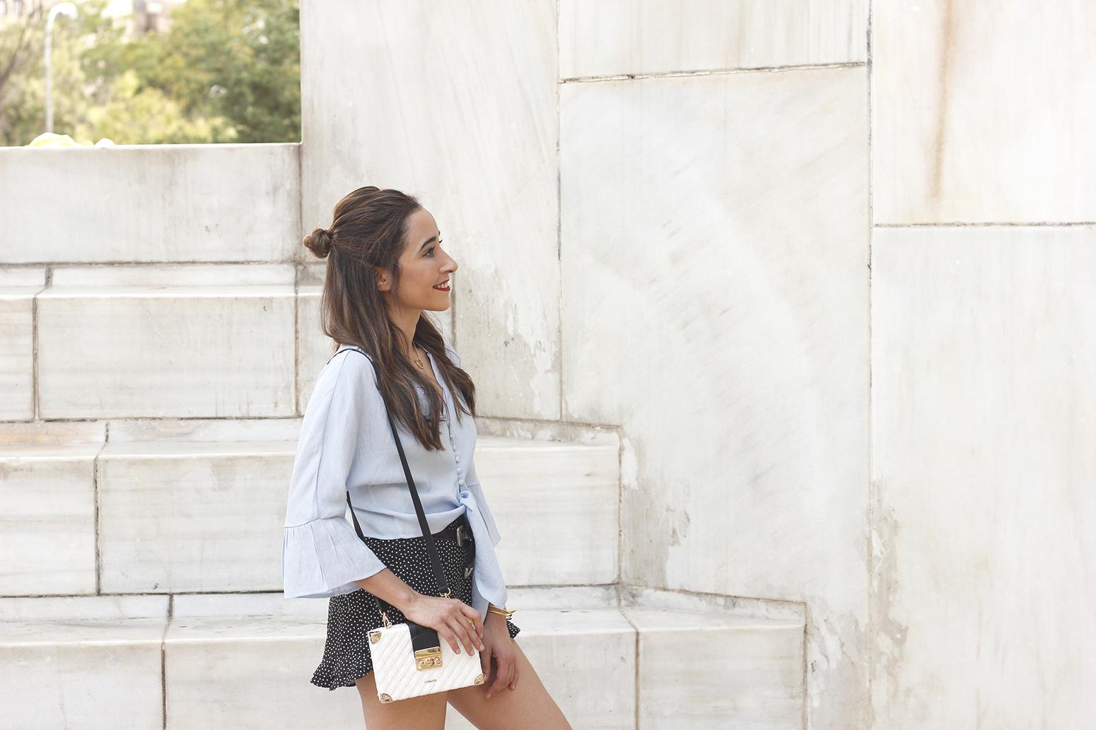 blue shirt polka dots shorts converse uterqüe style fashion summer01