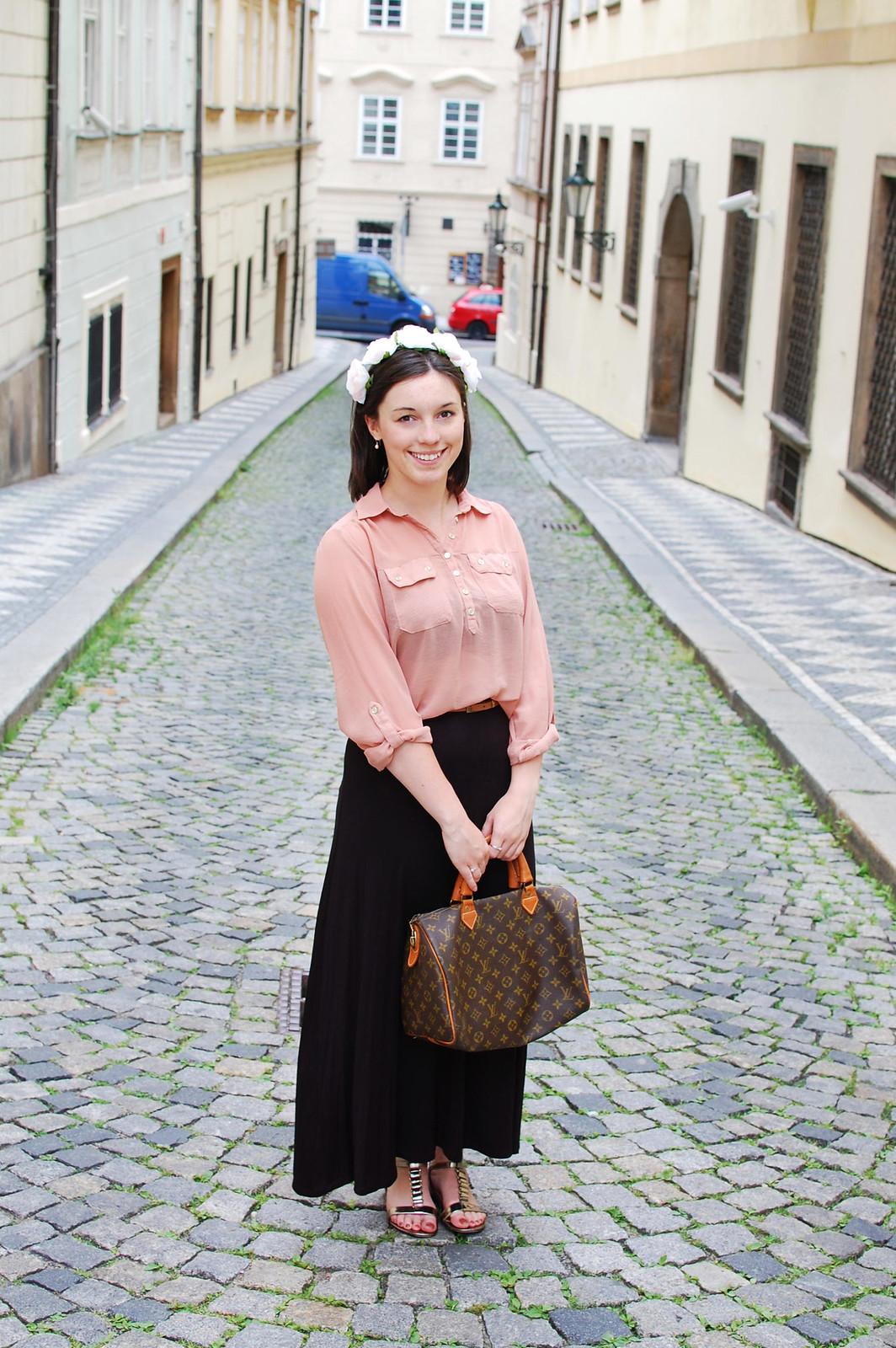 Floral Crown Trend Fashion Blogger Lifestyle Travel UK Prague
