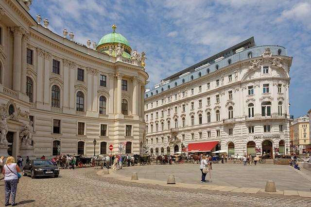 Vienna / Michaelerplatz / Hofburg entrance