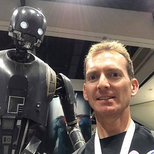I am one with the force and the force is with me at San Diego Comic Con 2017. Back to the real world today. . . . #starwars #k2so #sdcc #sdcc2017 #sandiego #statue #robot #imperial