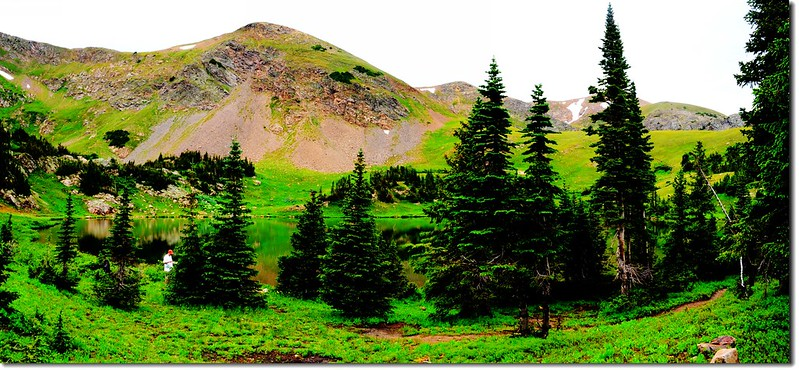 Rogers Pass Lake (3)