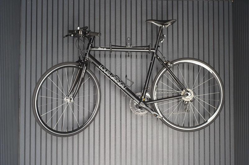 谷中銀座路地のロードバイク