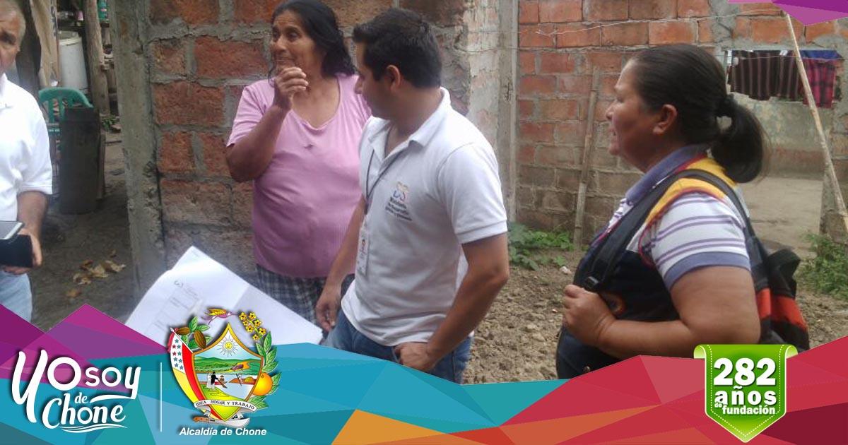 Alcaldía y MIDUVI coordinan acciones para los más necesitados