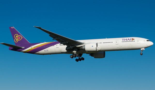 HS-TKM Thai Boeing 777-3ALheading, Nikon D3300, AF-S Nikkor 70-200mm f/4G ED VR