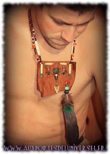 Collier plastron cheveyo, inspiration amerindienne création Aux Portes de l'Universel