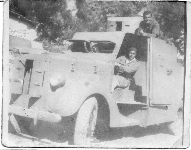 Armoured-car-1940-49-ybz-1