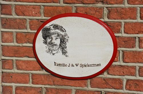 Das Emblem der Familie Spiekerman an ihrem Haus
