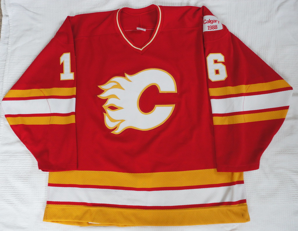 1987-87 Brett Hull Calgary Flames Away Jersey Front