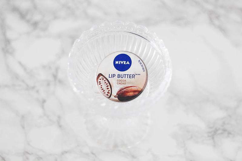 Parhaat kosmetiikkatuotteet blogi nivea lip butter