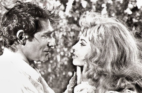 Robert Hossein and Michèle Mercier in Indomptable Angelique (1967)