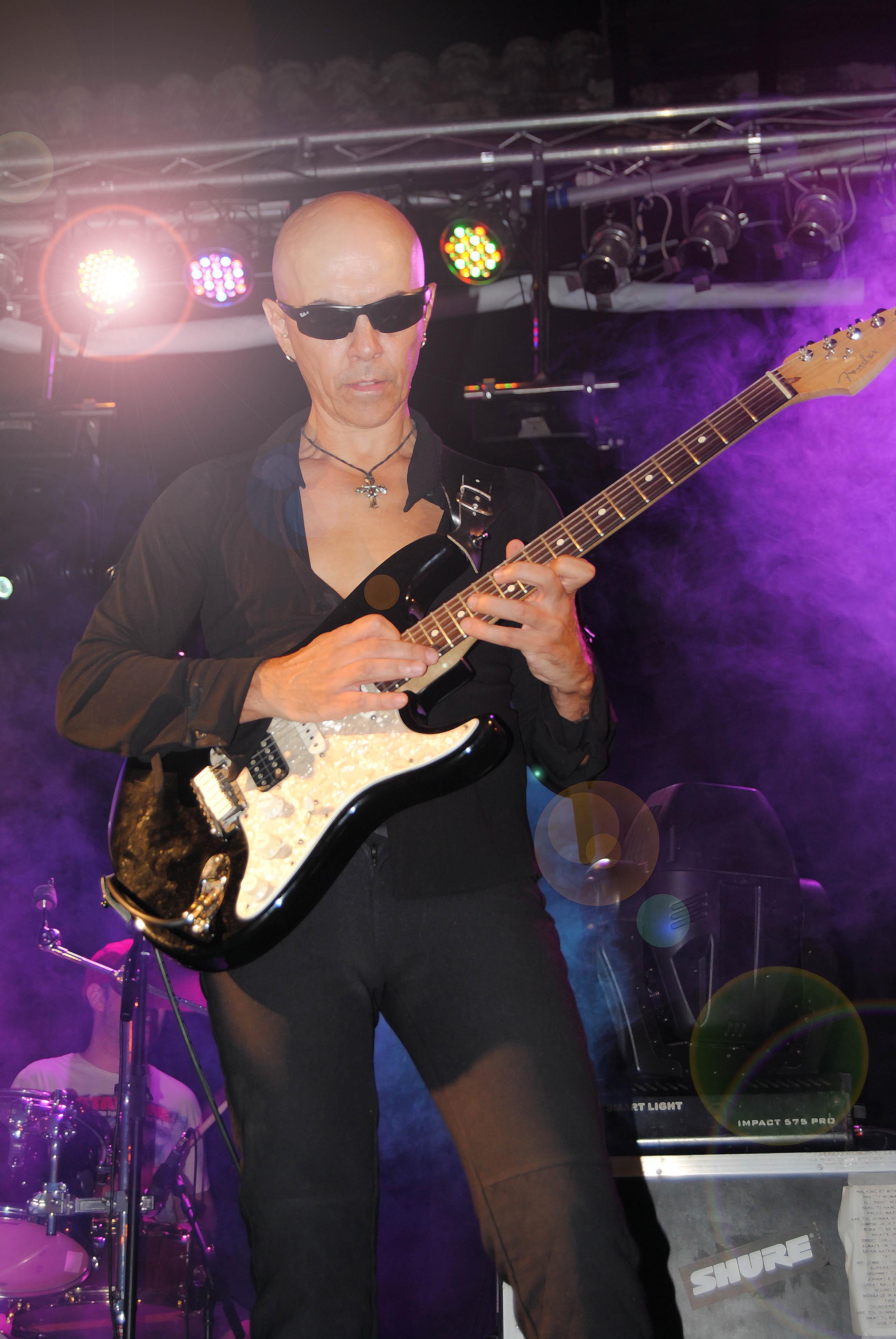 Rock In Tiétar. Manuel Maestre. Guitar Solo.