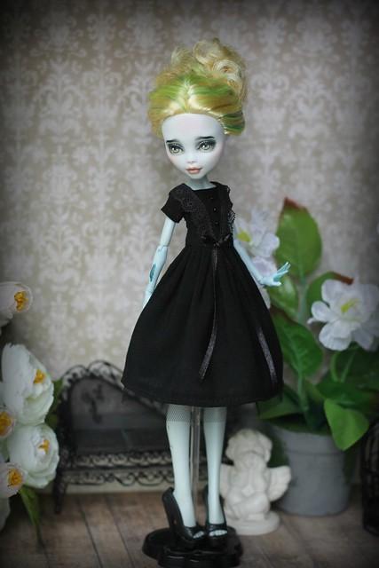 Retro style black dress