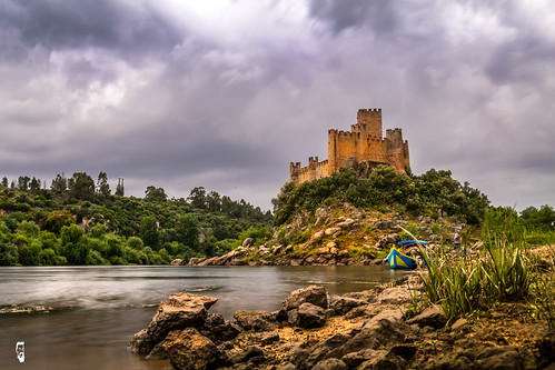 cano80d portugal castelo de almourol filters rio tejo rivers castle lightroom 2017 rain boat water over exposer nocrop joby gorillapod exposure long river barco agua ages travel photo canon80d raining trip rocks scenery current colors mygearandme canon greatphotographers hdr sunset dslr history war middleages europa