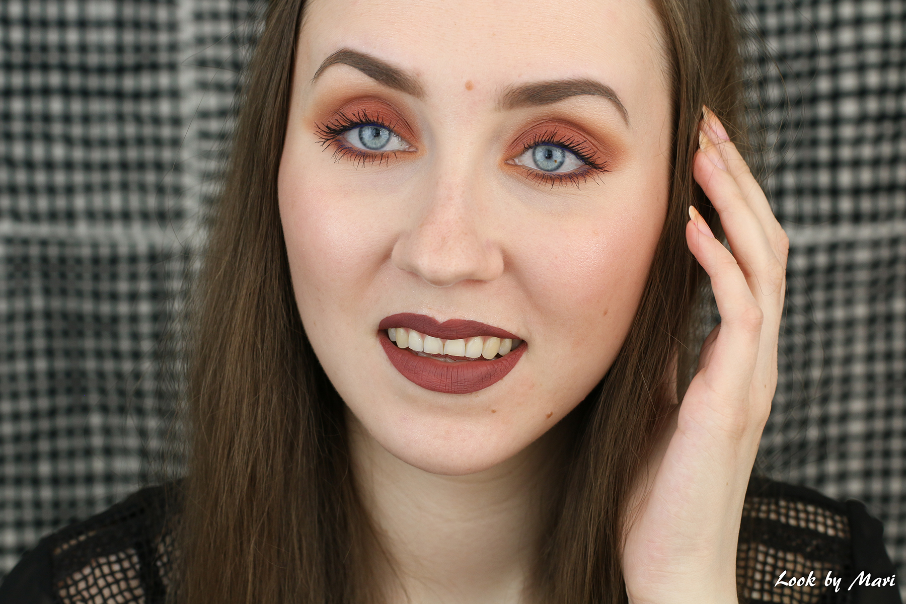 2 anastasia beverly hills brow definer medium brown review swatches swatch color pale skin