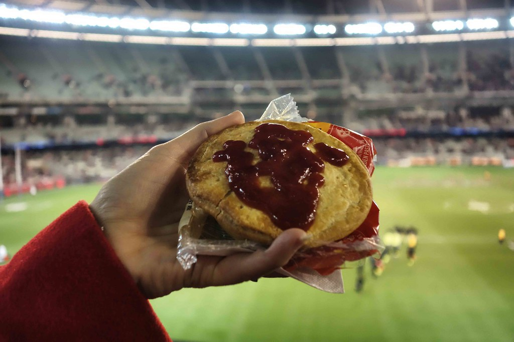 Melbourne - Footbal Game - Meat Pie