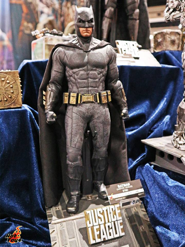 Hot Toys SDCC2017 Justice League Batman