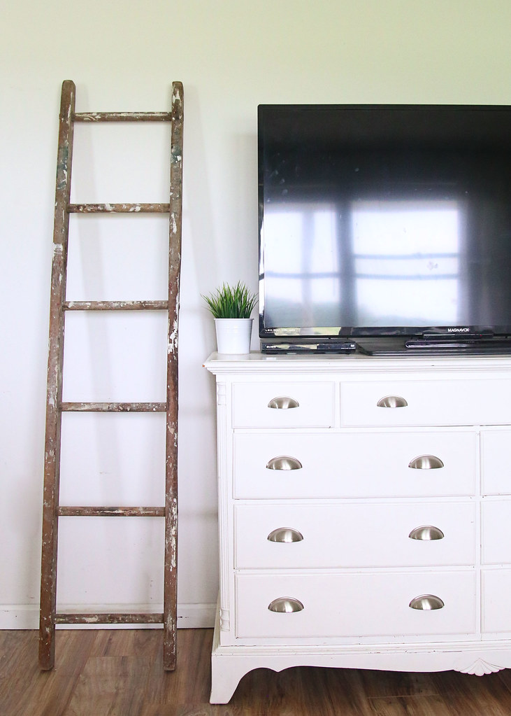 Ladder and Entertainment Stand Dresser