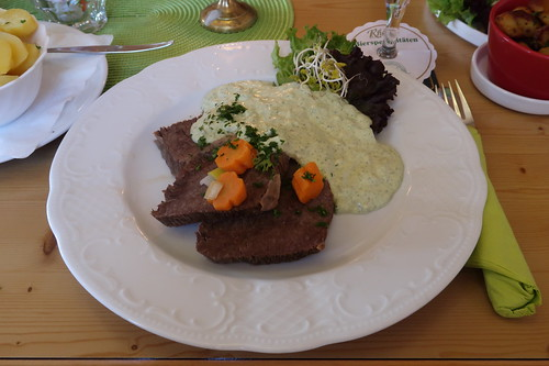 Rhöner Tafelspitz mit Frankfurter Grüner Soße und Petersilienkartoffeln