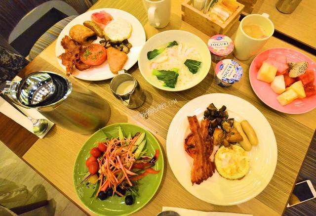 hotel jen tanglin singapore buffet breakfast