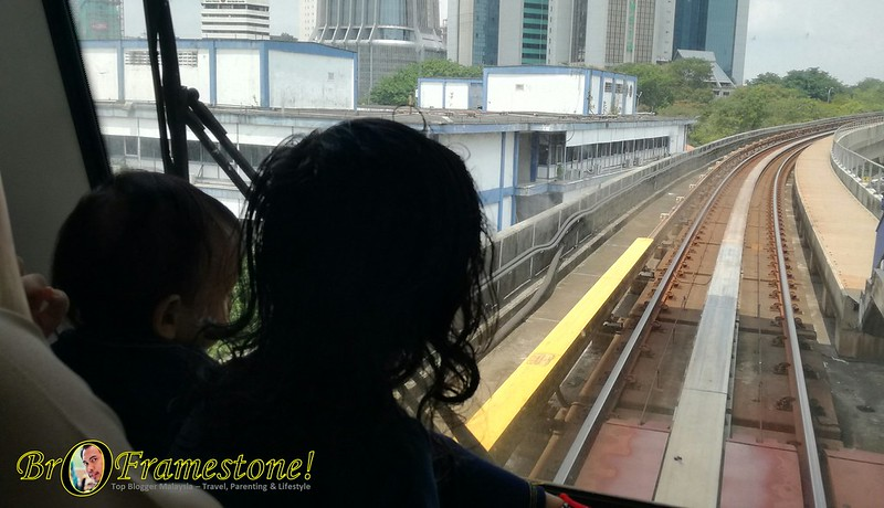 Pengalaman Menaiki LRT KL Sentral - KLCC