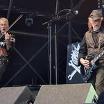 390-20170604_13th Wychwood Music Festival-Cheltenham-Gloucestershire-Main Stage-The Levellers-violin & guitar 1