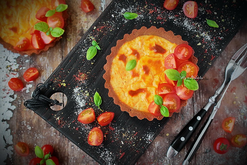 ...cheese cake with cherry tomatoes and Basil