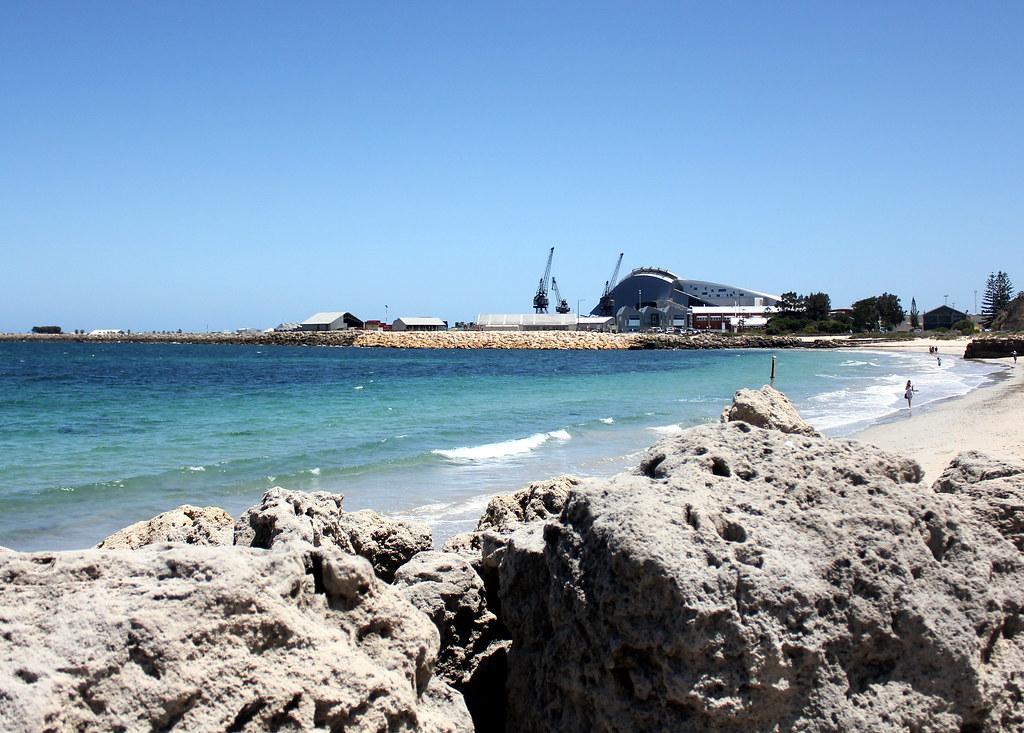 fremantle-beach-seashore