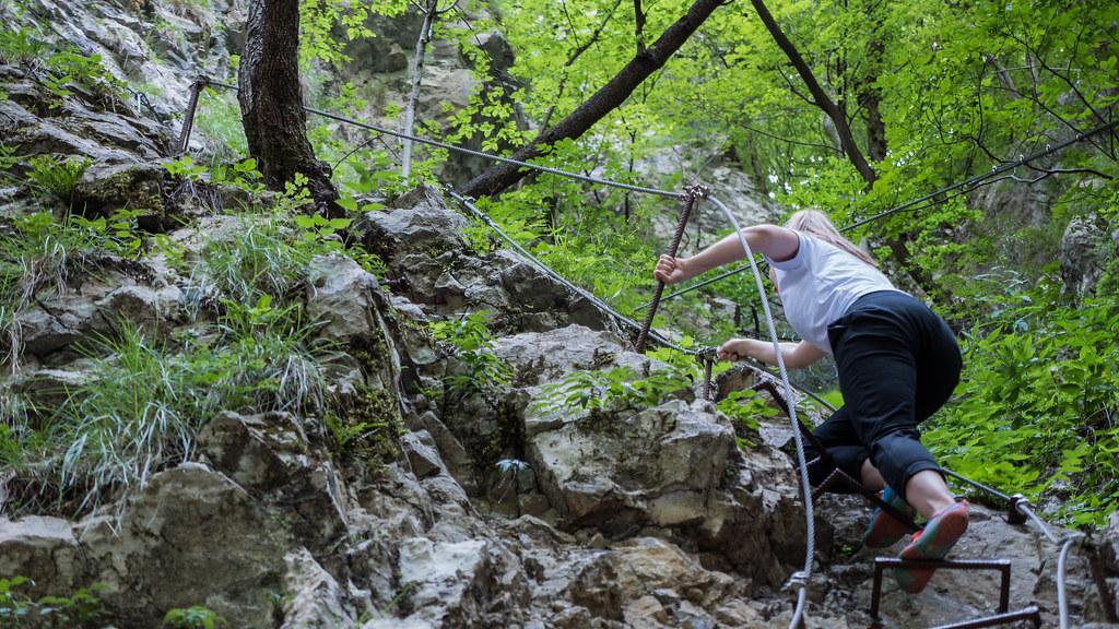Dovzan Gorgea ympäröivä pieni reitti