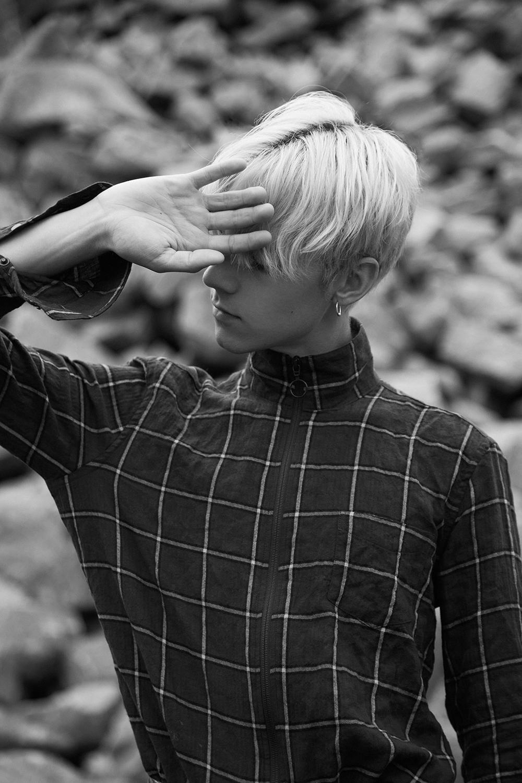 MikkoPuttonen_FashionBlogger_Jyväskylä_SamsoeSamsoe_DrDenim_YSL_Weekday_outfit11_bw_web