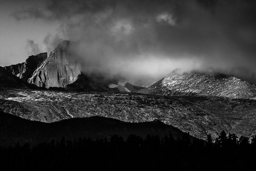 blackandwhite sunrise rockymountainnationalpark estespark colorado unitedstates us