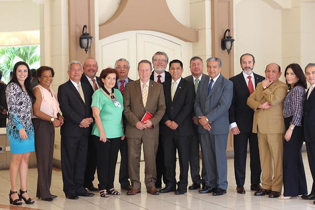 Secretario General del SICA, Sr. Vinicio Cerezo, sostiene reunión con representantes del GRULAC