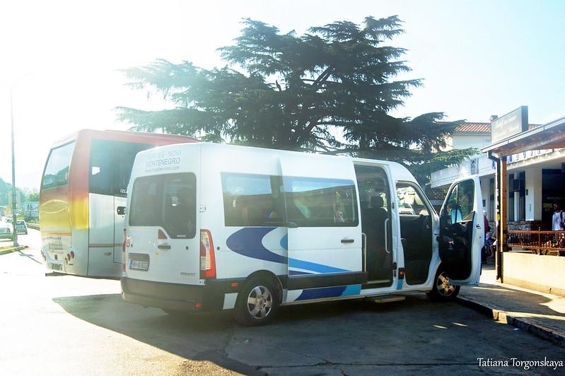 Автобус, следующий в Требинье, на автостанции Херцег Нови