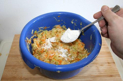 41 - Mit Mehl binden / Stir in flour