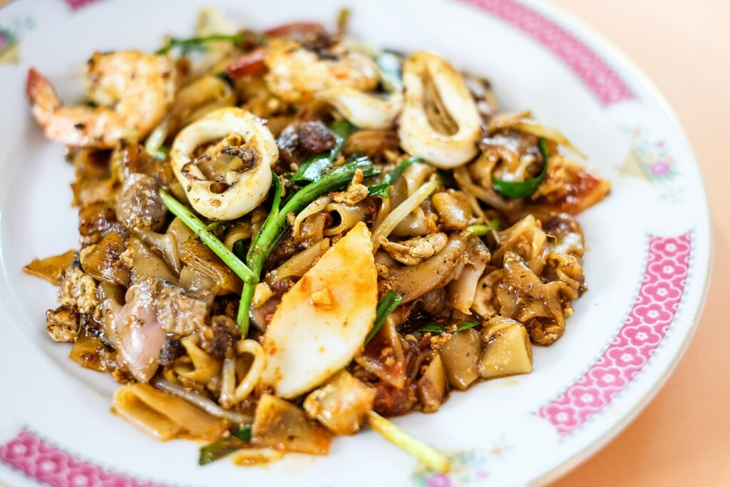 Old Airport Road Food Centre: Dong Ji Fried Kway Teow