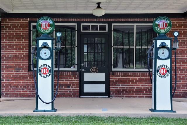 Virginia, Glen Allen, Courtney Road Service Station