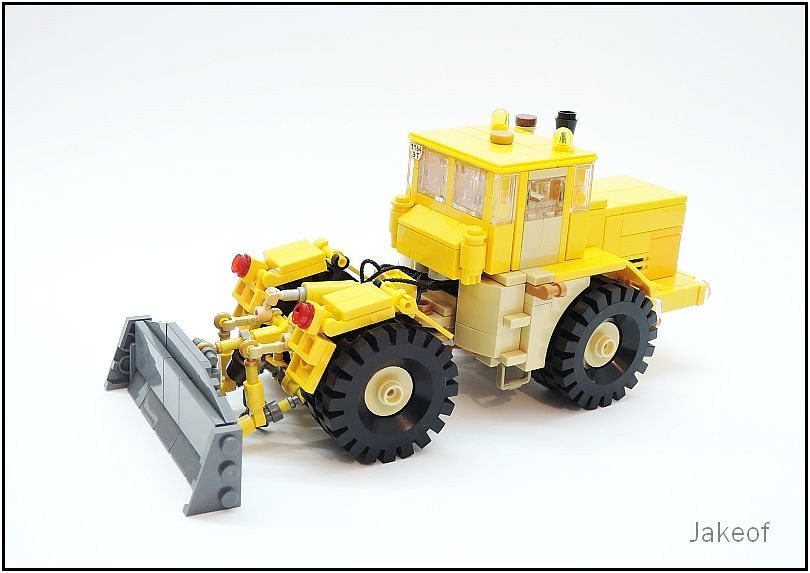 Kirovets K-700A (custom built Lego model)