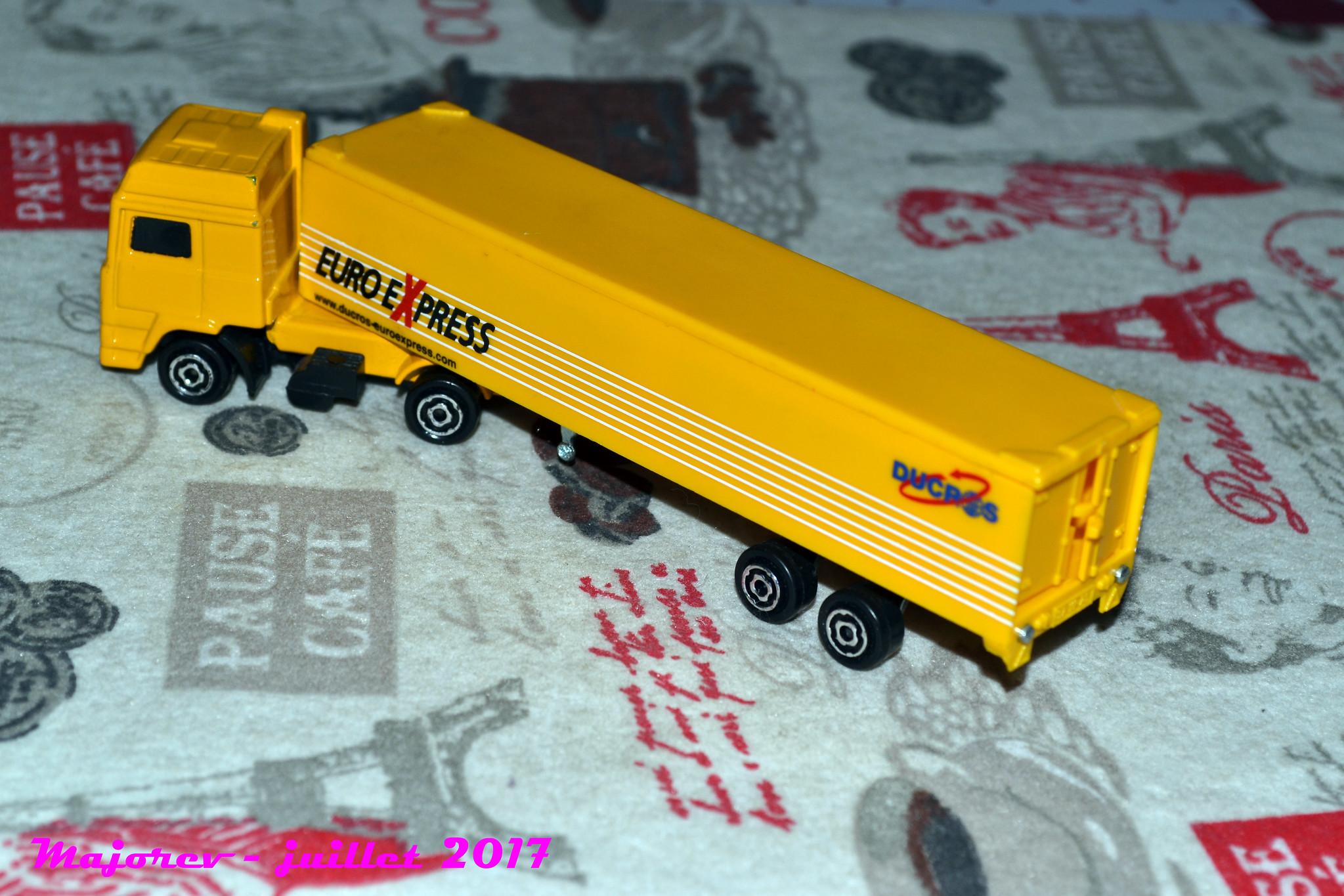 N°340 Volvo Container 35956721512_735ecceda0_k