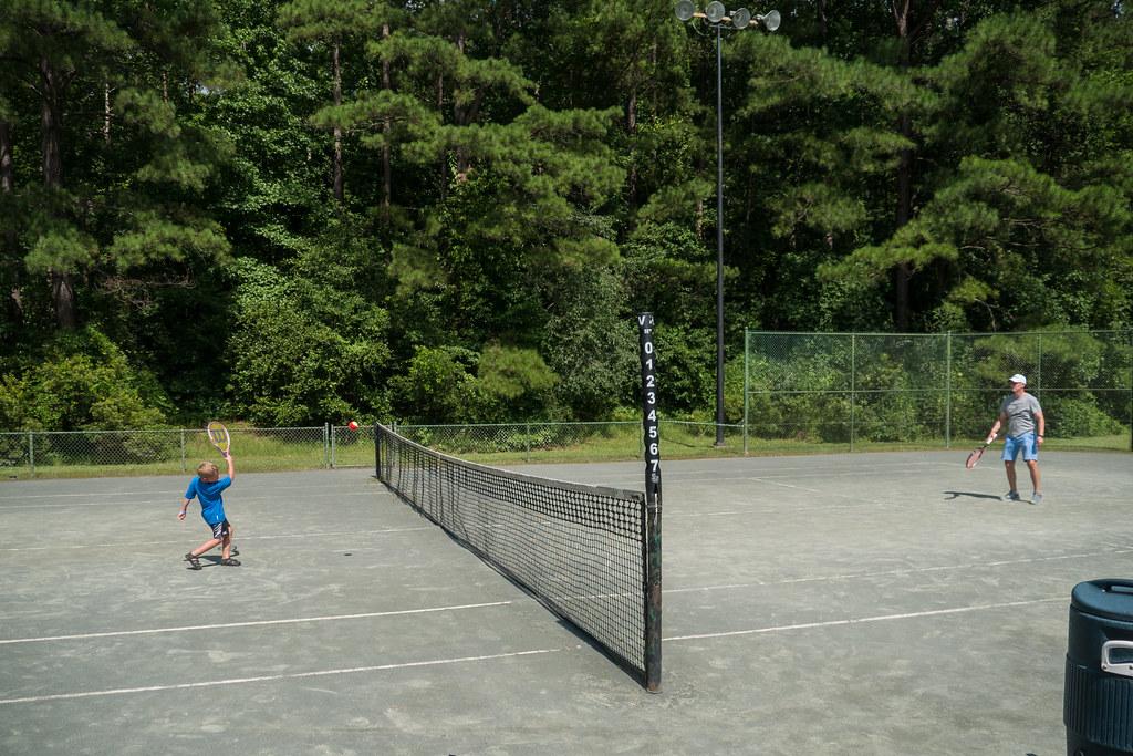 Tennis cousins